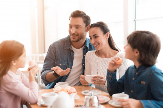 3 Reasons Why Mealtime Conversation Is Important