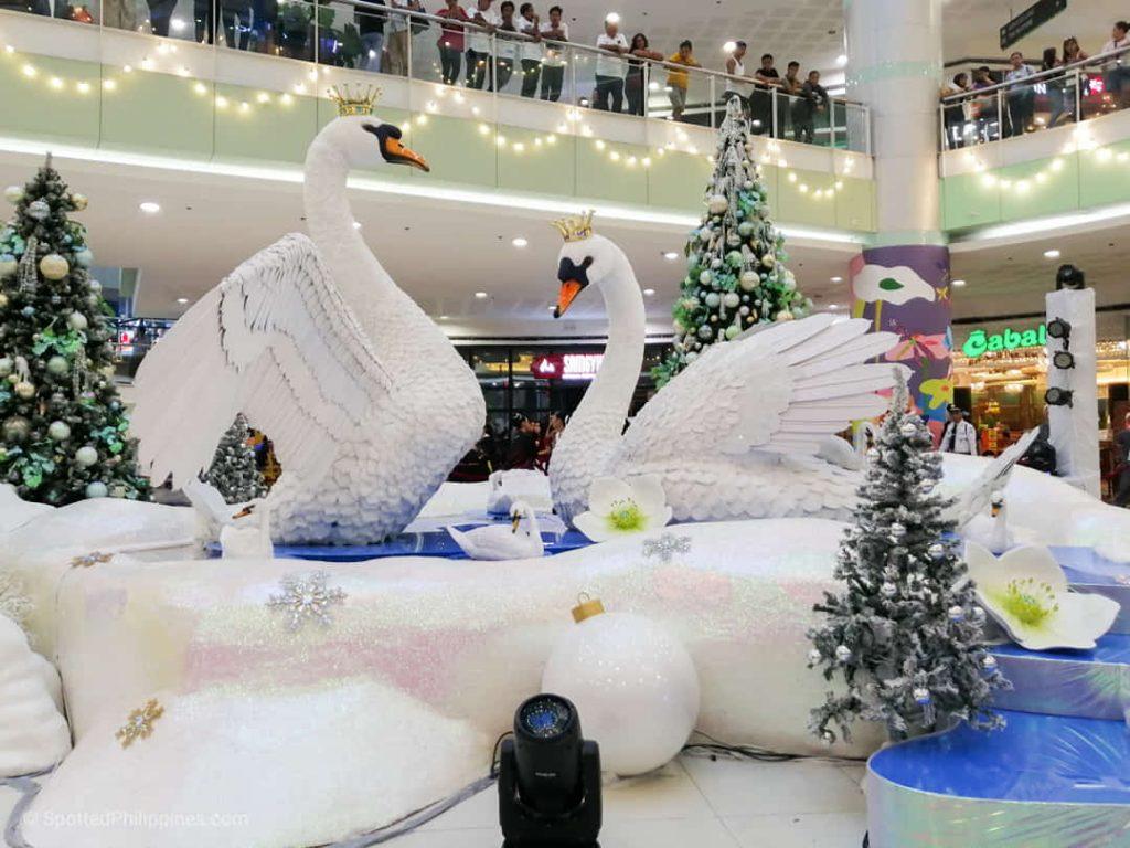 Swanderful Christmas at SM Dasmariñas