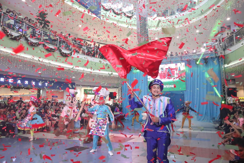 Grand Magical Christmas Parade at SM City Dasmarinas
