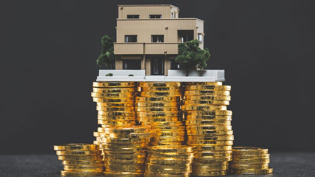 House or Gold? Which Is Worth Investing?
